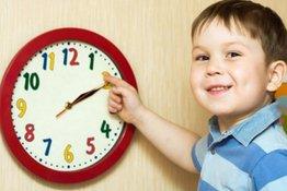 Dạy trẻ xem giờ đúng trên đồng hồ: 5 bước cơ bản bố mẹ nào cũng nên biết!