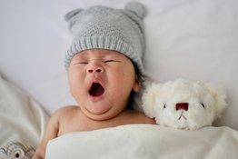 Trẻ sơ sinh bị khó ngủ: Bố mẹ nên làm gì?