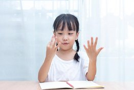 Học toán theo phương pháp Finger Math - bé tính nhẩm không cần viết
