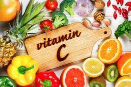Bổ sung vitamin C cho trẻ: Những sai lầm bố mẹ cần tránh