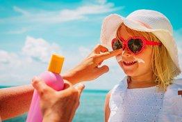 Có nên dùng kem chống nắng cho trẻ em khi đi ra ngoài?