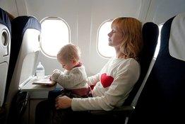 Trẻ em mấy tuổi được đi máy bay và những lưu ý bố mẹ cần biết