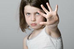Hướng dẫn bố mẹ cách dạy kỹ năng tự bảo vệ cho trẻ em