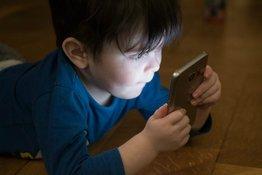 Cách cai nghiện điện thoại cho trẻ hiệu quả