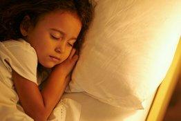 Cách giúp trẻ ngủ sớm không phải bố mẹ nào cũng biết!