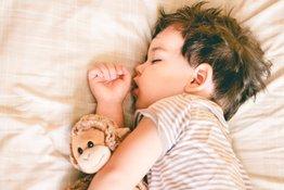Tại sao trẻ không ngủ trưa và bố mẹ nên làm gì để tạo thói quen ngủ lành mạnh cho trẻ?