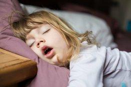 Hội chứng ngưng thở khi ngủ ở trẻ em và những điều bố mẹ nên biết