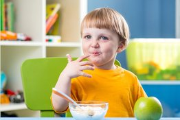 Rèn nếp ăn sáng cho trẻ khoa học và lành mạnh
