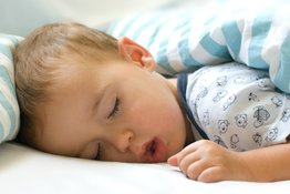 Ngủ ngáy ở trẻ em có phải hiện tượng đáng lo ngại?