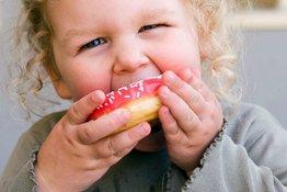 Có nên cho trẻ ăn đồ ngọt hay không?