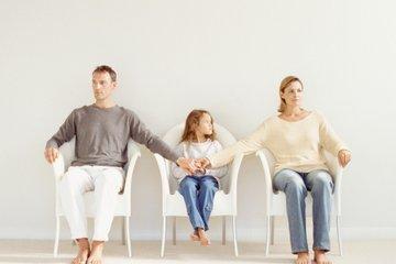 Bố mẹ ly hôn - làm sao để giảm thiểu tác động tới bé trong giai đoạn 1-3 tuổi?