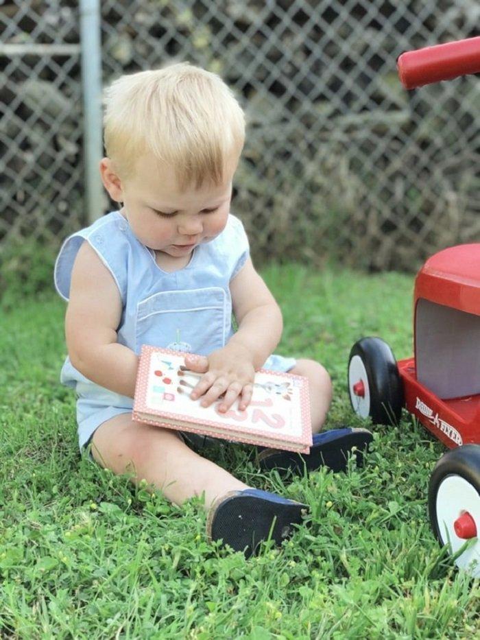 Bố mẹ hãy lưu ý những điều này để sách trở thành niềm vui của bé nhé!