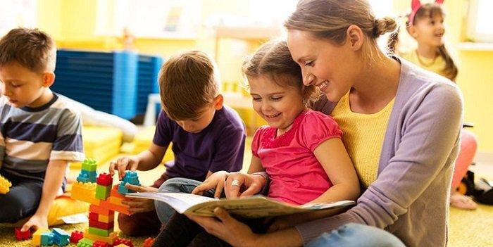 Sách sẽ giúp các bé vững vàng hơn trong con đường phía trước.