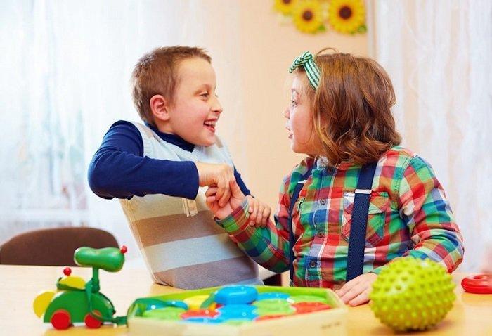 Khả năng học tập của trẻ tự kỷ không kém người bình thường.