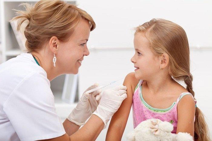 Nhiều nghiên cứu có cơ sở khoa học đã phủ định giả thuyết tiêm vắc-xin gây ra bệnh tự kỷ ở trẻ em.