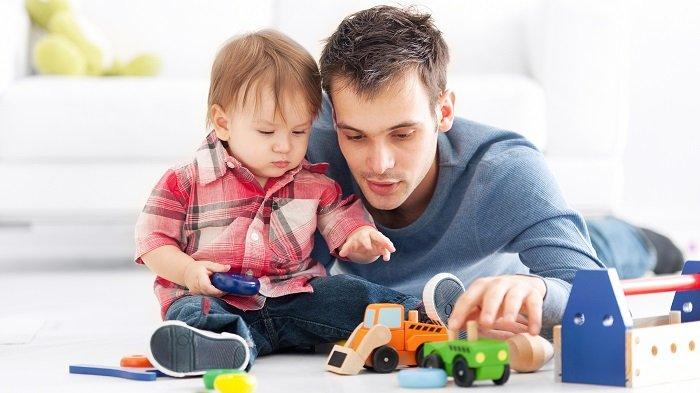 bố chơi trò chơi giúp phát triển ngôn ngữ cho trẻ tự kỉ