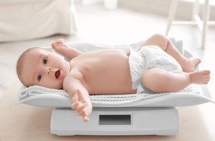 cân nặng của trẻ