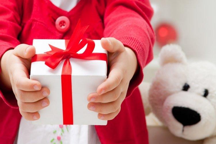 dạy trẻ lễ phép, biết cảm ơn và đưa ra các yêu cầu một cách lịch sự