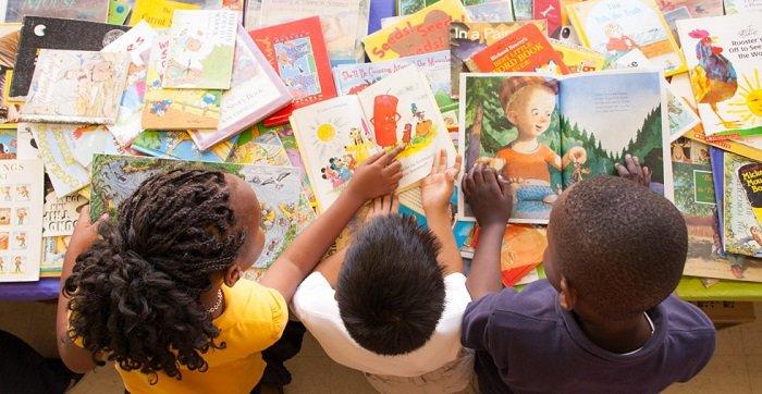 sách giúp bé học ngoại ngữ sớm
