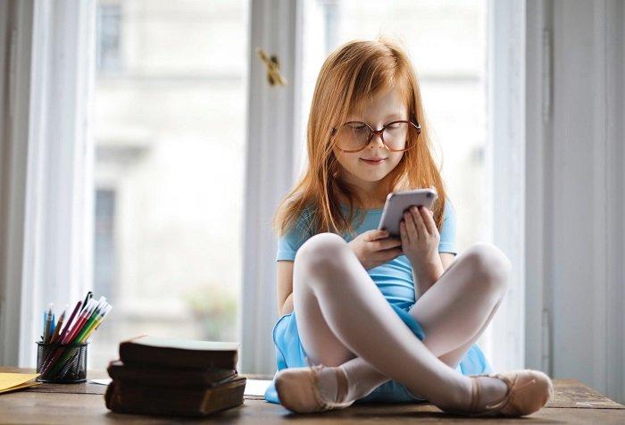 Tác hại của điện thoại với khả năng tập trung của trẻ là không thể phụ nhận.