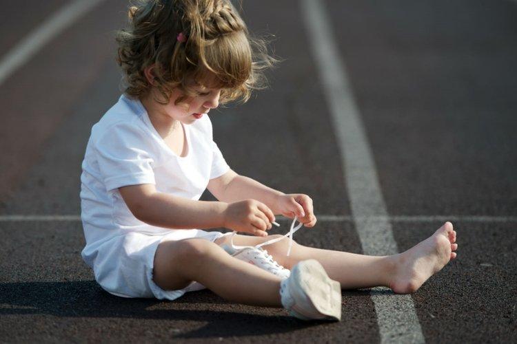 tâm lý trẻ 3 tuổi thích thể hiện tính độc lập, tự làm việc cá nhân mà không cần bố mẹ giúp đỡ