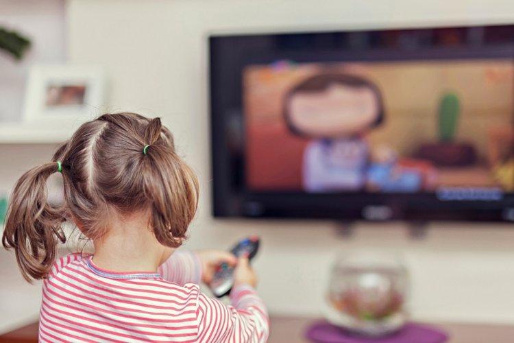 bố mẹ kiểm soát thời lượng và nội dung trên thiết bị điện tử của trẻ