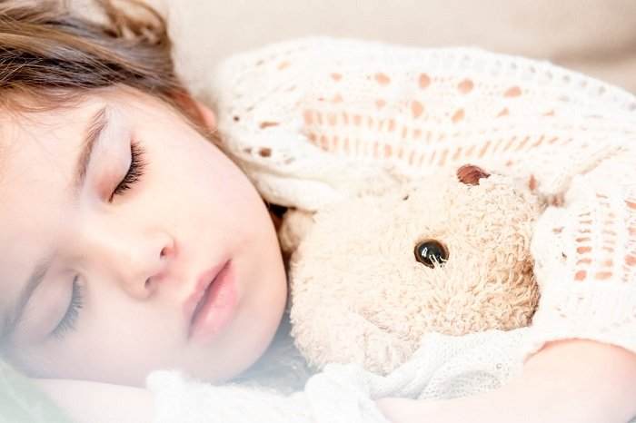 Rất khó để phân biệt bệnh tăng động và các bệnh về ngủ ở trẻ do triệu chứng giống nhau.