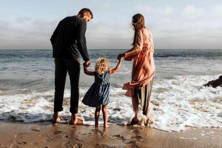 bố mẹ giữ bình tĩnh và nuôi dạy con tốt