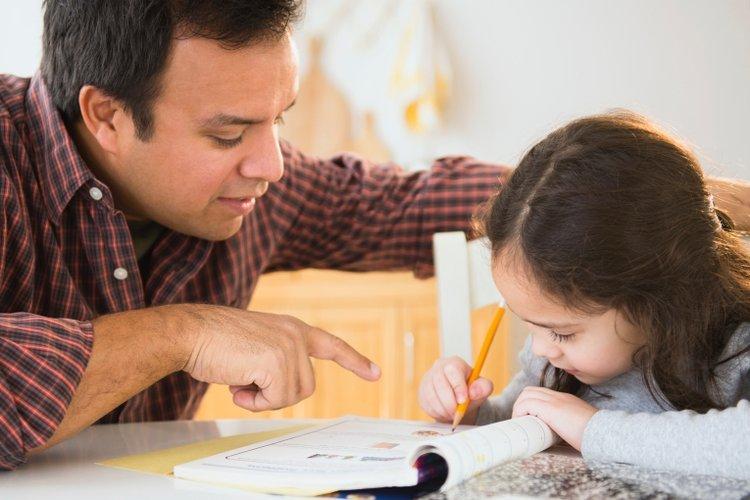 trẻ không nghe lời bố mẹ thực ra rất cần được bố mẹ giúp đỡ để học kỹ năng hợp tác