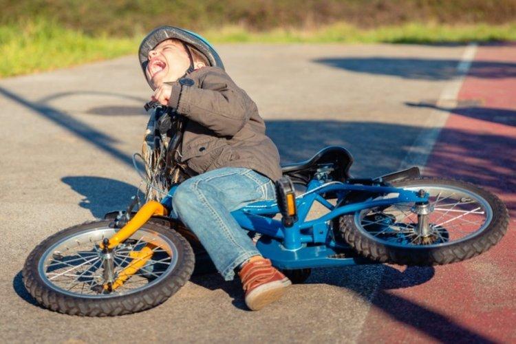 trẻ vấp ngã và tự hoàn thiện bản thân hơn chính là cách giúp trẻ tự tin nhanh nhất