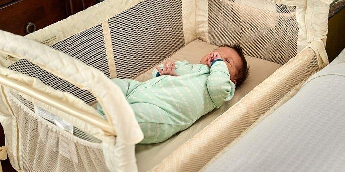 trẻ sơ sinh nằm nôi tre có tốt không