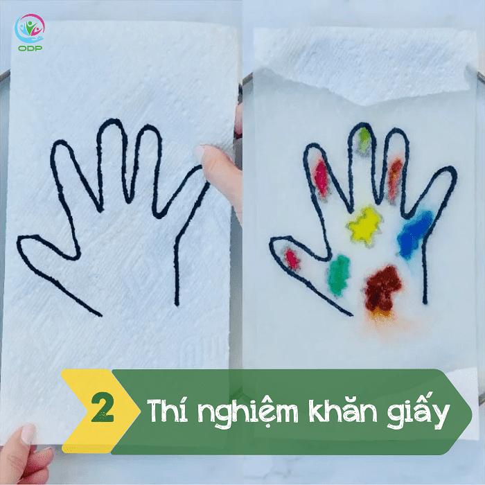 Một trong các trò chơi tại nhà cho bé khác bố mẹ có thể thử đó là thí nghiệm khăn giấy.