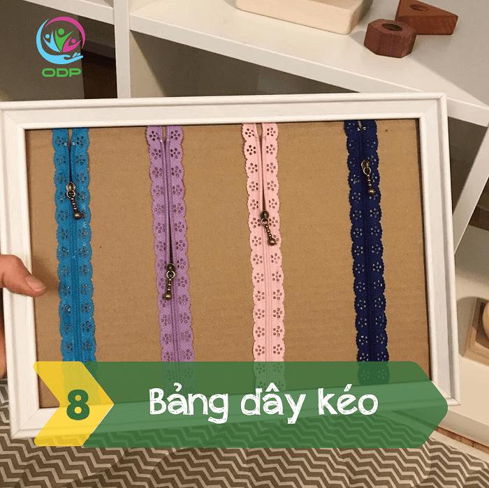 Làm bảng dây kéo cũng là một trong các trò chơi tại nhà cho bé khá thú vị.