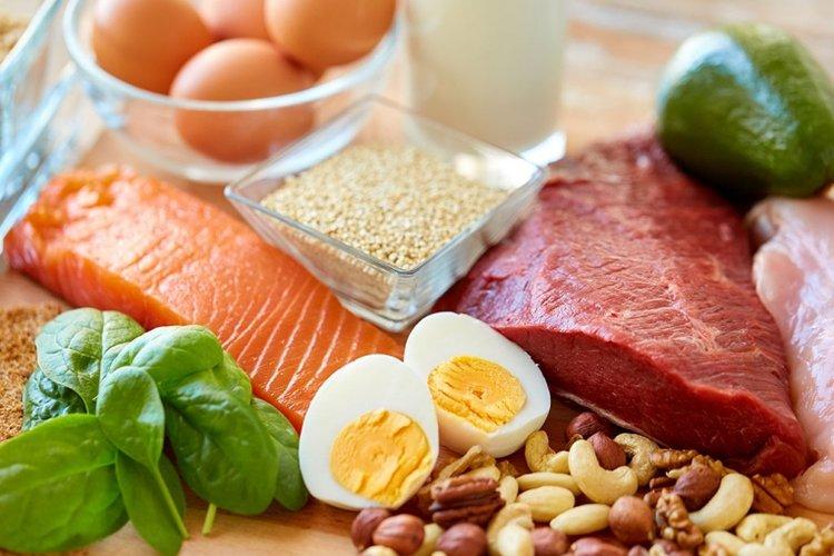 khi nào cho trẻ ăn bột mặn bố mẹ cần chú ý cho bé ăn đủ chất dinh dưỡng