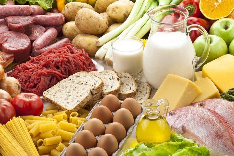 nếu trẻ 6 tuổi bị suy dinh dưỡng, trẻ cần được ăn nhiều bữa và đầy đủ dinh dưỡng