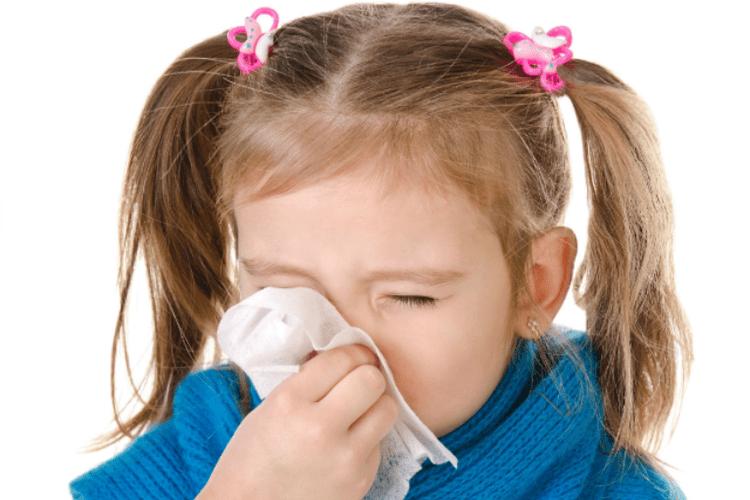 viêm mũi dị ứng ở trẻ em khiến trẻ rất khó chịu và mệt mỏi