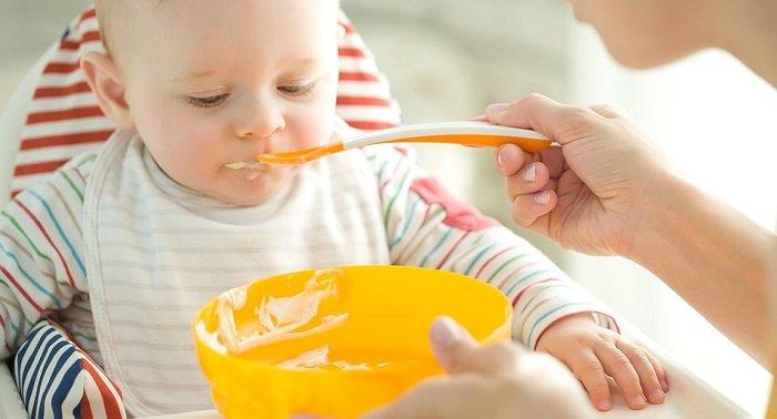 cách cho trẻ ăn dặm đúng cách