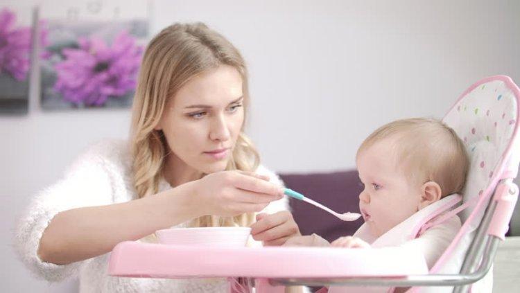 1 tuần cho bé ăn mấy hộp váng sữa còn tùy vào lứa tuổi và nhu cầu của bé