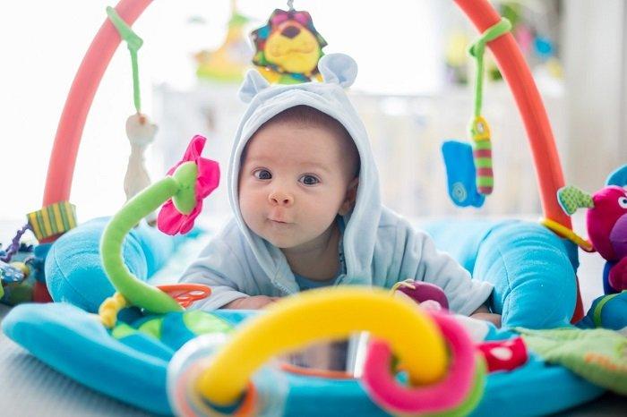 đồ chơi thông minh cho trẻ dưới 1 tuổi