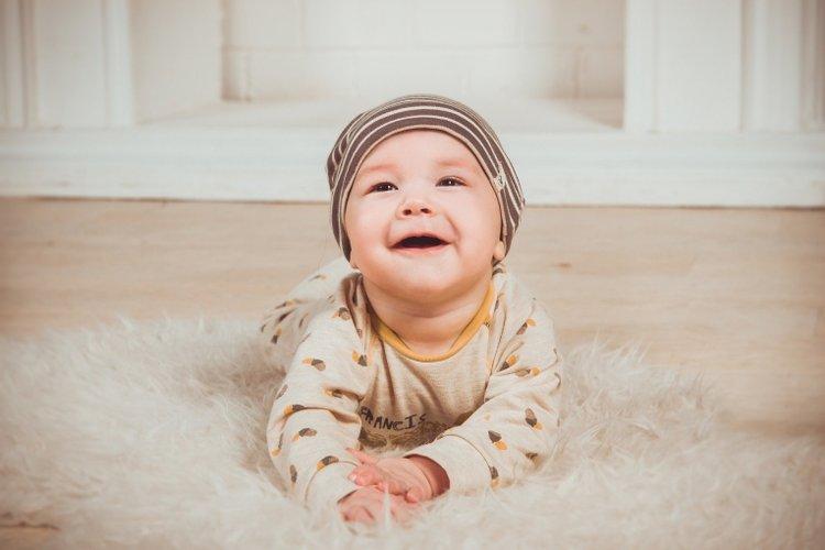 bé sơ sinh tắm ngôn ngữ tiếng Anh và các loại ngoại ngữ khác