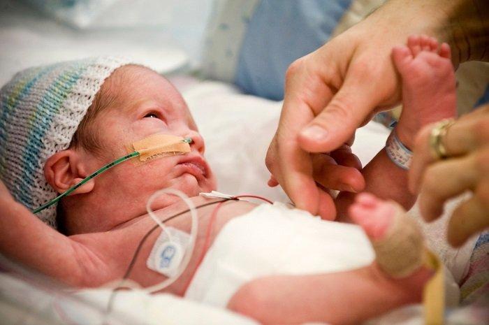 cách giao tiếp với trẻ sinh non