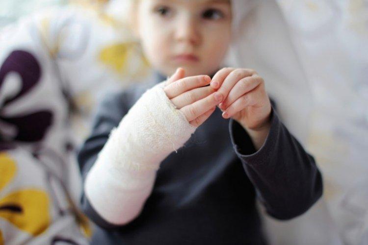 phòng tránh tai nạn thương tích cho trẻ mầm non