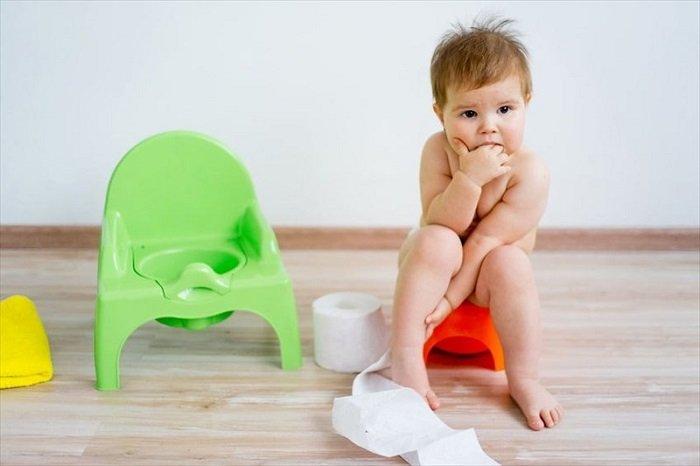 Cách tập cho trẻ ngồi bô.