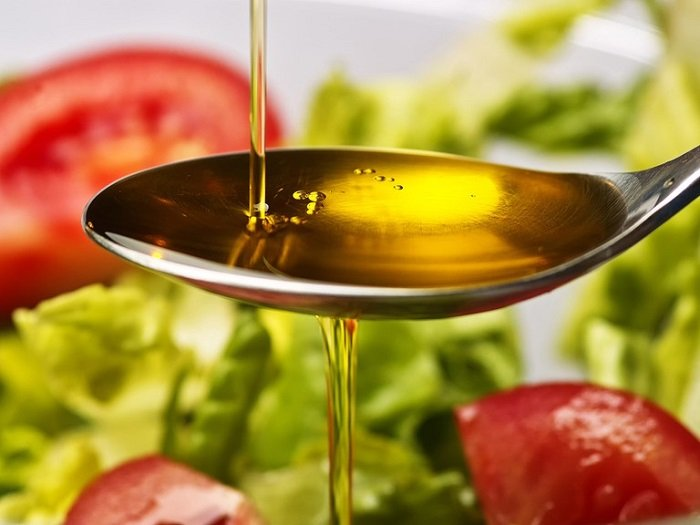 Dầu oliu là một trong các loại dầu ăn cho bé ăn dặm.