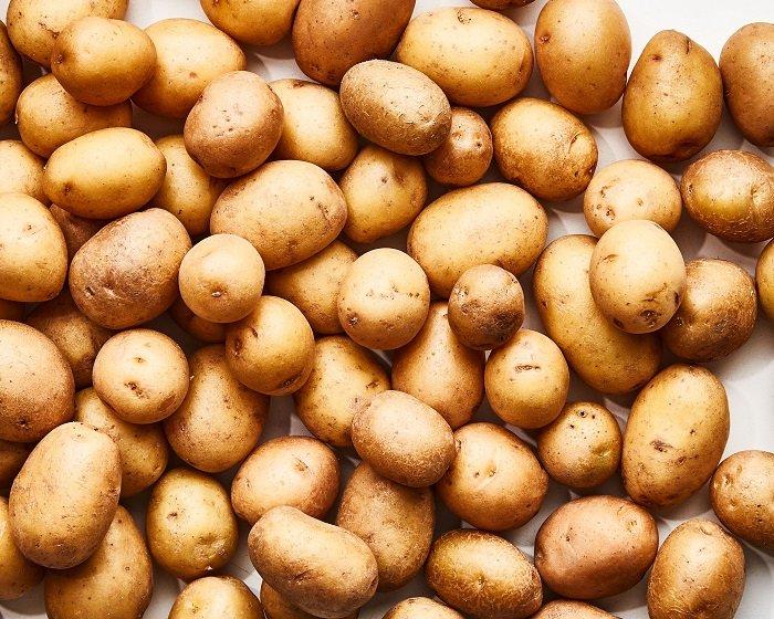 Khoai tây rất giàu chất xơ và giúp làm mát cho cơ thể.