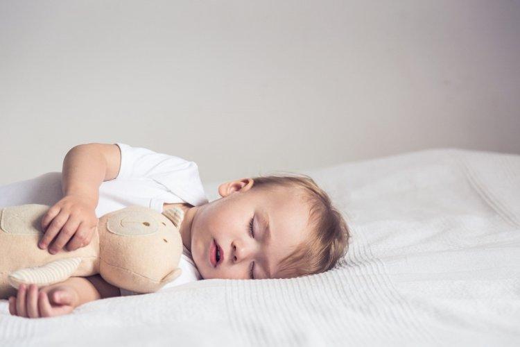 trẻ ngủ đủ giấc sẽ khỏe mạnh hơn