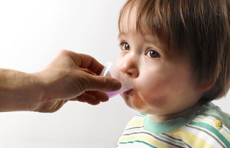 cách sử dụng men tiêu hóa cho trẻ