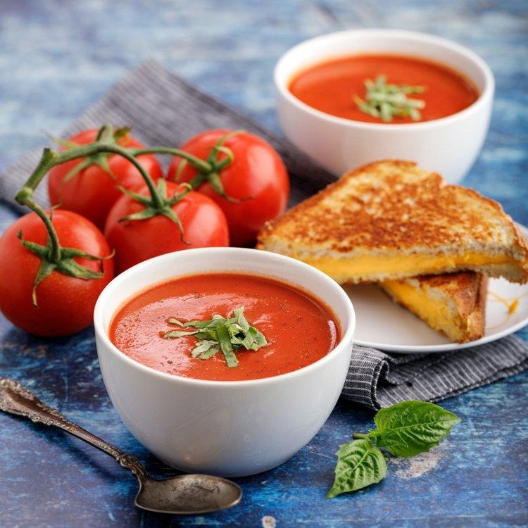 Cho bé ăn gì sau khi ốm dậy là tốt nhất? Chính là súp cà chua!