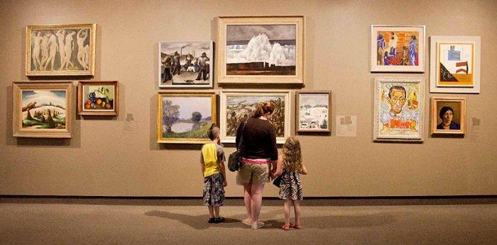 trẻ đi bảo tàng