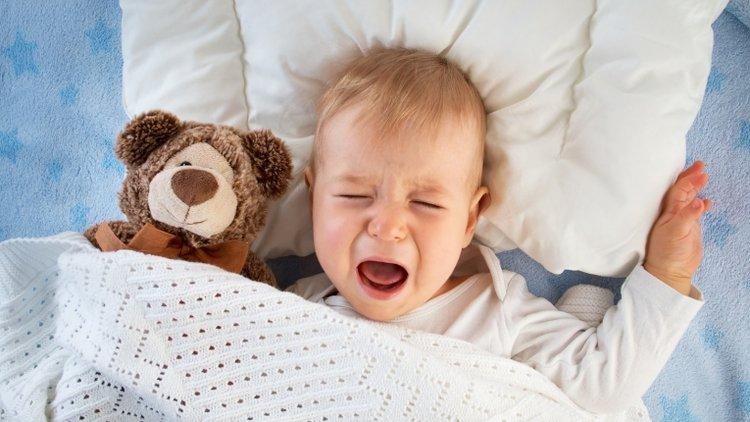 trẻ bị nhiễm giun kim thường khó chịu về đêm